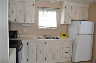 """Photo 5: 165 1840 160 Street in Surrey: King George Corridor Manufactured Home for sale in """"Breakaway Bays"""" (South Surrey White Rock)  : MLS®# R2158466"""