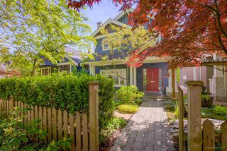 Photo 1: 4472 QUEBEC Street in Vancouver: Main House for sale (Vancouver East)  : MLS®# R2169124