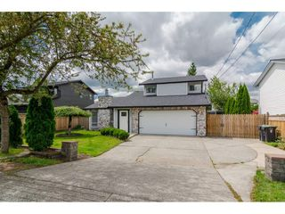 "Photo 1: 9569 213 Street in Langley: Walnut Grove House for sale in ""Walnut Grove"" : MLS®# R2171034"
