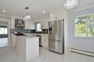 """Photo 8: 12348 73A Avenue in Surrey: West Newton House for sale in """"WEST NEWTON"""" : MLS®# R2172102"""