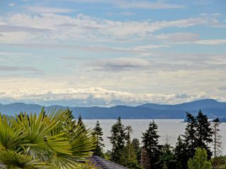 Photo 2: 793 Country Club Dr in COBBLE HILL: ML Cobble Hill House for sale (Malahat & Area)  : MLS®# 762541