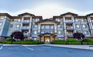 "Photo 1: 105 2038 SANDALWOOD Crescent in Abbotsford: Central Abbotsford Condo for sale in ""THE ELEMENT"" : MLS®# R2185512"