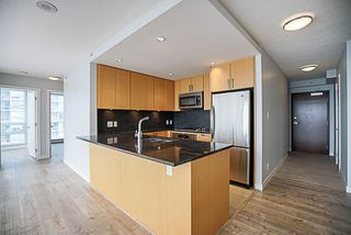 "Photo 5: 906 2978 GLEN Drive in Coquitlam: North Coquitlam Condo for sale in ""GRAND CENTRAL ONE"" : MLS®# R2204292"