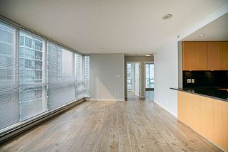 "Photo 7: 906 2978 GLEN Drive in Coquitlam: North Coquitlam Condo for sale in ""GRAND CENTRAL ONE"" : MLS®# R2204292"