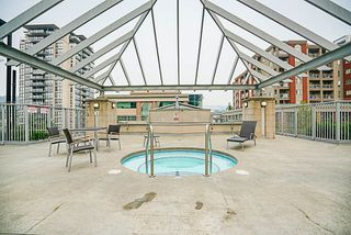 "Photo 20: 906 2978 GLEN Drive in Coquitlam: North Coquitlam Condo for sale in ""GRAND CENTRAL ONE"" : MLS®# R2204292"