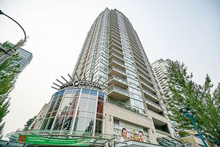 "Photo 1: 906 2978 GLEN Drive in Coquitlam: North Coquitlam Condo for sale in ""GRAND CENTRAL ONE"" : MLS®# R2204292"