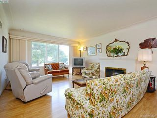 Photo 2: 3039 Balfour Ave in VICTORIA: Vi Burnside Single Family Detached for sale (Victoria)  : MLS®# 772501