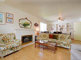 Photo 3: 3039 Balfour Ave in VICTORIA: Vi Burnside House for sale (Victoria)  : MLS®# 772501
