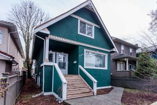 Photo 1: 524 E 12TH Avenue in Vancouver: Mount Pleasant VE House for sale (Vancouver East)  : MLS®# R2235406