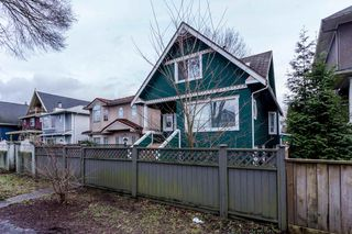 Photo 3: 524 E 12TH Avenue in Vancouver: Mount Pleasant VE House for sale (Vancouver East)  : MLS®# R2235406