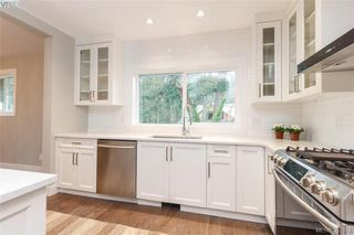 Photo 11: 4729 Carloss Place in VICTORIA: SE Cordova Bay Single Family Detached for sale (Saanich East)  : MLS®# 387814