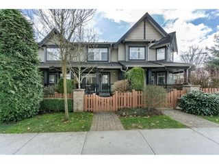 """Photo 2: 14 19448 68 Avenue in Surrey: Clayton Townhouse for sale in """"NUOVO"""" (Cloverdale)  : MLS®# R2250936"""