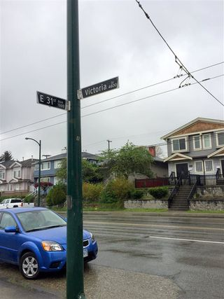 Photo 11: 4711 VICTORIA Drive in Vancouver: Victoria VE House for sale (Vancouver East)  : MLS®# R2263077