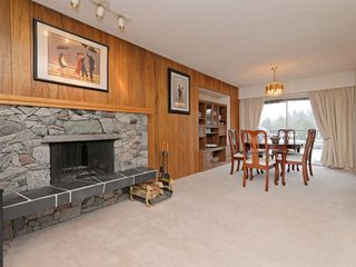 Photo 5: 7940 BURNLAKE Drive in Burnaby: Government Road House for sale (Burnaby North)  : MLS®# R2281808