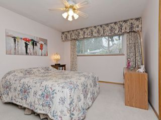 Photo 11: 7940 BURNLAKE Drive in Burnaby: Government Road House for sale (Burnaby North)  : MLS®# R2281808