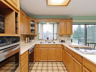 Photo 8: 7940 BURNLAKE Drive in Burnaby: Government Road House for sale (Burnaby North)  : MLS®# R2281808