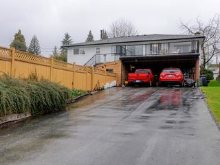 Photo 19: 7940 BURNLAKE Drive in Burnaby: Government Road House for sale (Burnaby North)  : MLS®# R2281808