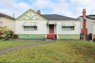 Photo 1: 2265 W 18TH Avenue in Vancouver: Arbutus House for sale (Vancouver West)  : MLS®# R2305148