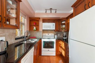 "Photo 9: 19 3036 W 4TH Avenue in Vancouver: Kitsilano Townhouse for sale in ""SANTA BARBARA"" (Vancouver West)  : MLS®# R2315850"