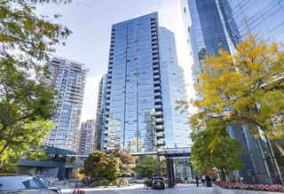 """Main Photo: 2007 1050 BURRARD Street in Vancouver: Downtown VW Condo for sale in """"Wall Centre"""" (Vancouver West)  : MLS®# R2324699"""