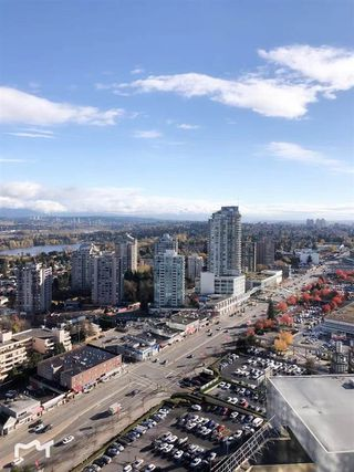 Photo 3: 3211 4670 ASSEMBLY Way in Burnaby: Metrotown Condo for sale (Burnaby South)  : MLS®# R2326563