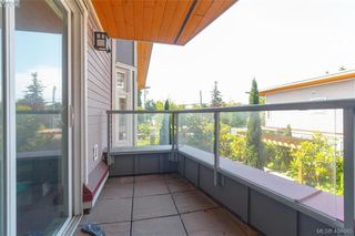 Photo 16: 101 1510 Hillside Avenue in VICTORIA: Vi Oaklands Row/Townhouse for sale (Victoria)  : MLS®# 404665