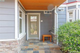 Photo 3: 101 1510 Hillside Avenue in VICTORIA: Vi Oaklands Row/Townhouse for sale (Victoria)  : MLS®# 404665