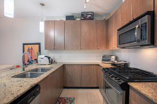 "Photo 9: 609 280 ROSS Drive in New Westminster: Fraserview NW Condo for sale in ""THE CARLYLE"" : MLS®# R2340591"