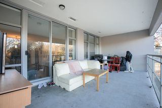 """Photo 14: 609 280 ROSS Drive in New Westminster: Fraserview NW Condo for sale in """"THE CARLYLE"""" : MLS®# R2340591"""