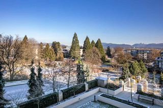 "Photo 15: 609 280 ROSS Drive in New Westminster: Fraserview NW Condo for sale in ""THE CARLYLE"" : MLS®# R2340591"