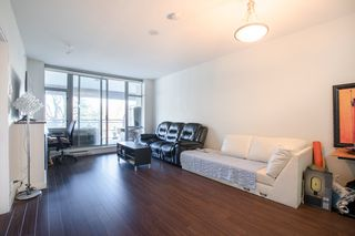 "Photo 4: 609 280 ROSS Drive in New Westminster: Fraserview NW Condo for sale in ""THE CARLYLE"" : MLS®# R2340591"