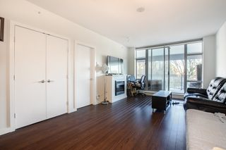 "Photo 2: 609 280 ROSS Drive in New Westminster: Fraserview NW Condo for sale in ""THE CARLYLE"" : MLS®# R2340591"