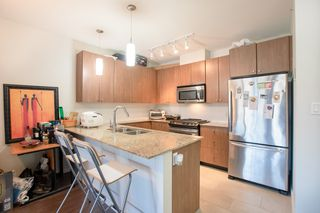 """Photo 8: 609 280 ROSS Drive in New Westminster: Fraserview NW Condo for sale in """"THE CARLYLE"""" : MLS®# R2340591"""