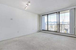 "Photo 3: 1403 1330 HARWOOD Street in Vancouver: West End VW Condo for sale in ""Westsea Tower"" (Vancouver West)  : MLS®# R2345763"