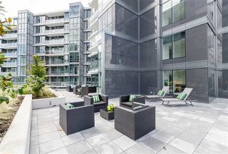 Main Photo: 1225 68 SMITHE Street in Vancouver: Downtown VW Condo for sale (Vancouver West)  : MLS®# R2363713