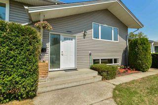 Photo 2: 6728 93A Avenue in Edmonton: Zone 18 House for sale : MLS®# E4154878