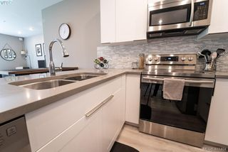 Photo 3: 304 1460 Pandora Ave in VICTORIA: Vi Downtown Condo Apartment for sale (Victoria)  : MLS®# 815646