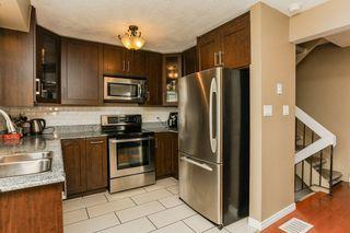 Photo 11: 16934 109 Street in Edmonton: Zone 27 Townhouse for sale : MLS®# E4159216