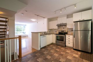 "Photo 4: 7387 MAGNOLIA Terrace in Burnaby: Highgate Townhouse for sale in ""MONTEREY"" (Burnaby South)  : MLS®# R2376795"