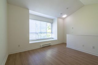 "Photo 10: 7387 MAGNOLIA Terrace in Burnaby: Highgate Townhouse for sale in ""MONTEREY"" (Burnaby South)  : MLS®# R2376795"