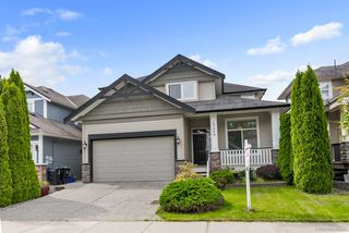 Photo 1: 19644 73B Avenue in Langley: Willoughby Heights House for sale : MLS®# R2377320