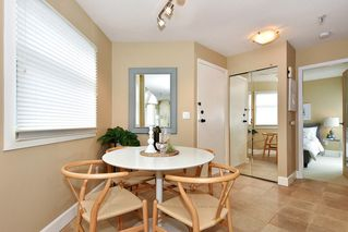 "Photo 6: 408 2020 W 8TH Avenue in Vancouver: Kitsilano Condo for sale in ""AUGUSTINE GARDENS"" (Vancouver West)  : MLS®# R2378621"