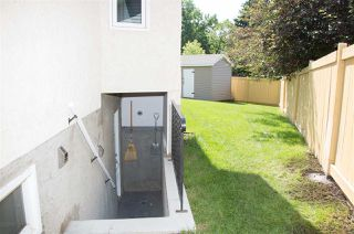 Photo 3: 5715 11A Avenue in Edmonton: Zone 29 House for sale : MLS®# E4163728