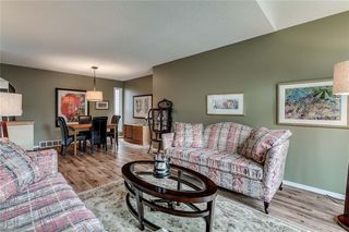 Photo 3: 239 COACHWAY Road SW in Calgary: Coach Hill Detached for sale : MLS®# C4258685