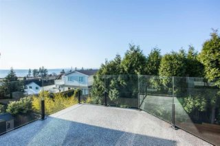Photo 17: 967 STEVENS Street: White Rock House for sale (South Surrey White Rock)  : MLS®# R2421809