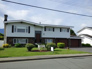 Photo 1: 45244 STEVENSON Road in Chilliwack: Sardis West Vedder Rd House for sale (Sardis)  : MLS®# R2460370