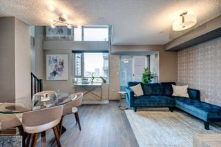 Photo 3: 1105 80 Cumberland Street in Toronto: Annex Condo for lease (Toronto C02)  : MLS®# C4832833