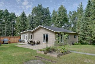 Photo 1: 102 54127 RR 30 Road: Rural Lac Ste. Anne County House for sale : MLS®# E4210361