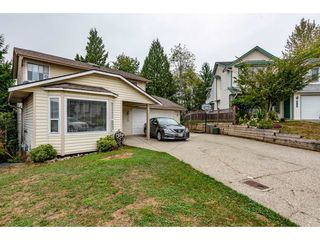 Photo 2: 3913 WATERTON Crescent in Abbotsford: Abbotsford East House for sale : MLS®# R2494783
