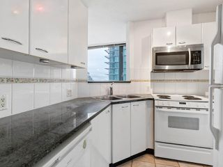 """Photo 8: 2102 1331 ALBERNI Street in Vancouver: West End VW Condo for sale in """"The Lions"""" (Vancouver West)  : MLS®# R2517604"""